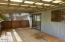 806 NE Douglas St, Newport, OR 97365 - Covered deck
