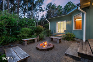5835 Pollock Ave, Pacific City, OR 97135 - fire pit area