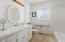 1124 SW Mark Street, Newport, OR 97365 - Main level bath