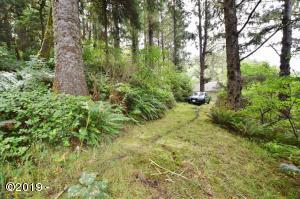 6900 BLK NE Neptune Dr, Lincoln City, OR 97367 - Lot looking south