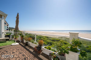 Gorgeous oceanfront views of miles of sandy shores