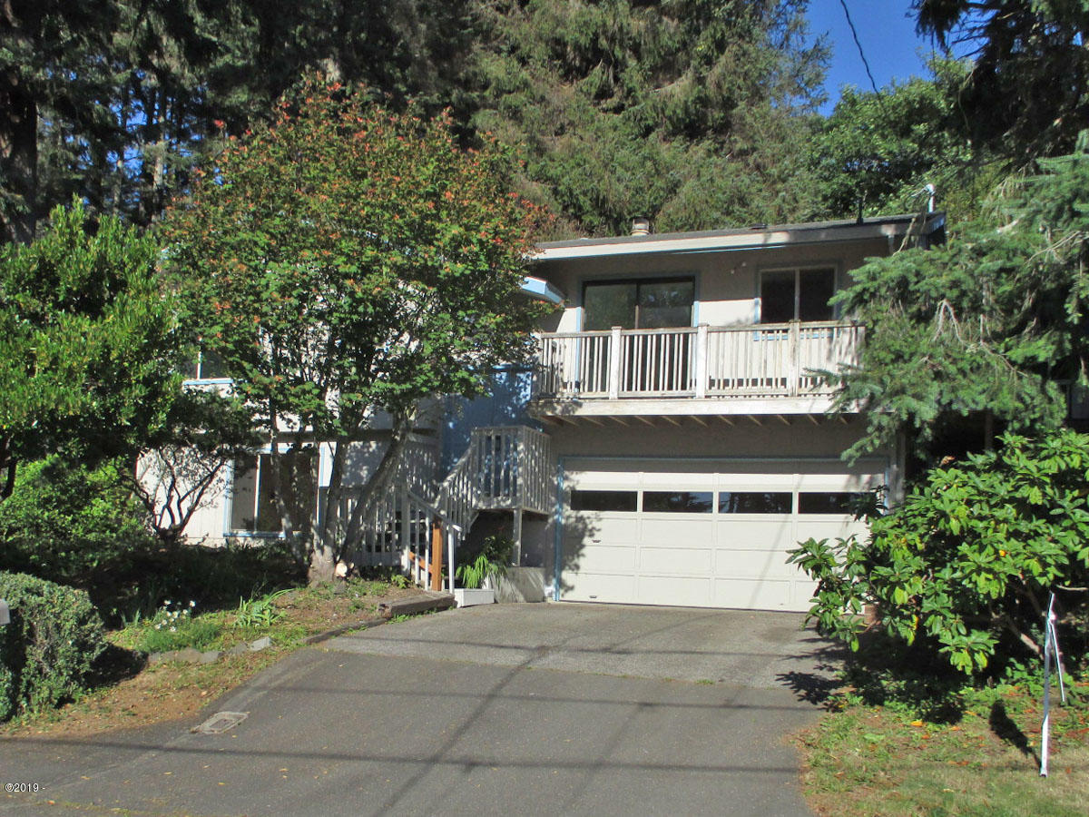 2110 NE Reef Ave, Lincoln City, OR 97367 - Front
