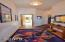 619 SW Fleet Ave, Lincoln City, OR 97367 - Guest room