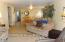 5727 Hwy 101 N, Yachats, OR 97498 - Sea Horse Living Room