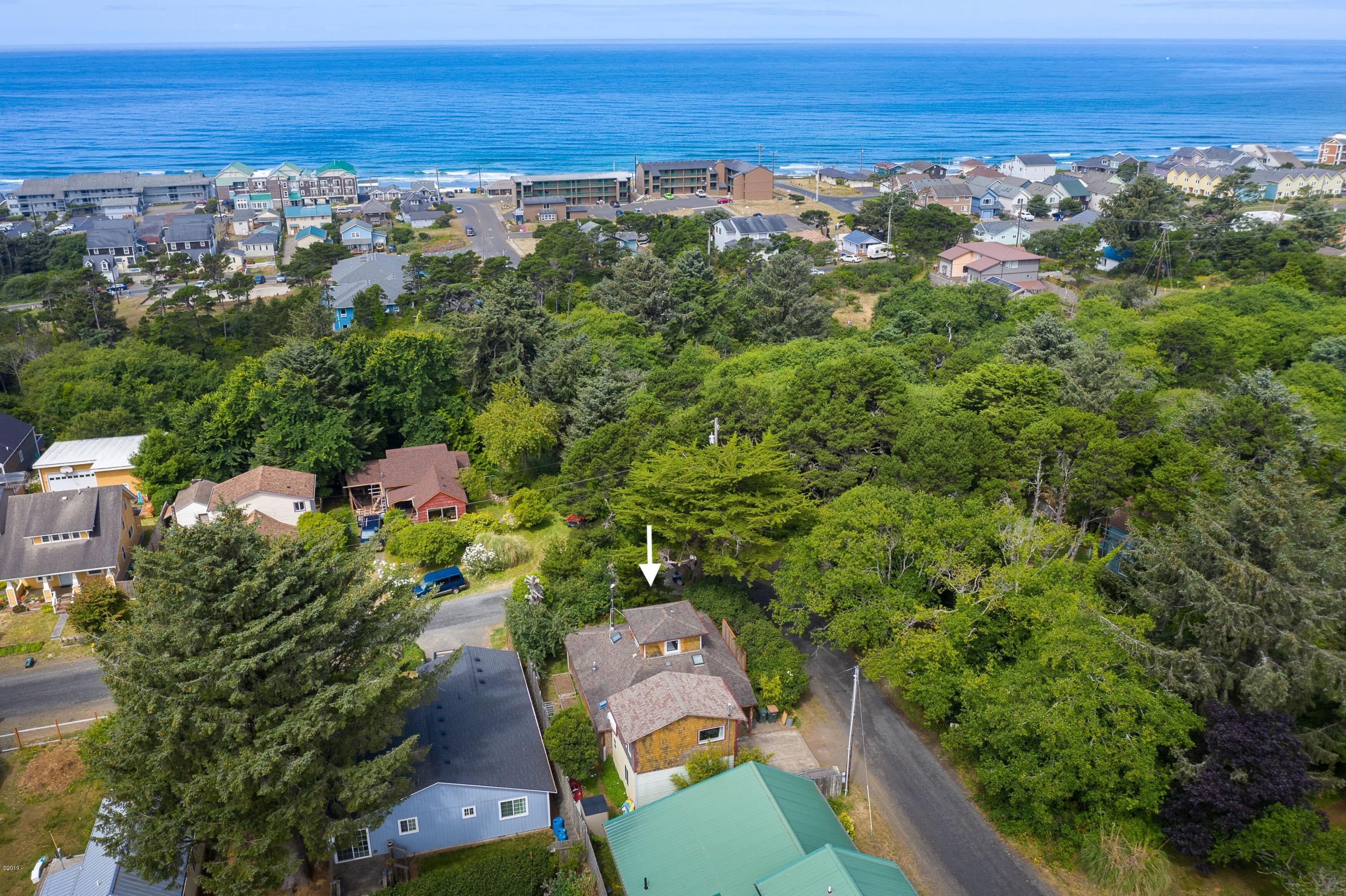 758 NW Cottage St., Newport, OR 97365 - Close to the Beach