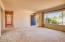 212 NE 10th St, Newport, OR 97365 - Living Room