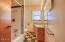 212 NE 10th St, Newport, OR 97365 - Main Bath