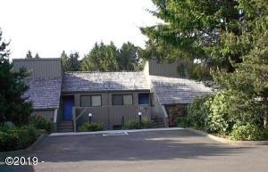 5801 NE Voyage Ave, 38, Lincoln City, OR 97367 - Front of Complex