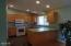 5340 La Fiesta Way, Lincoln City, OR 97367 - Sunny Kitchen