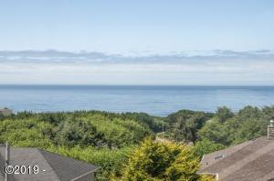 4657 NW Pacific Court, Lincoln City, OR 97367