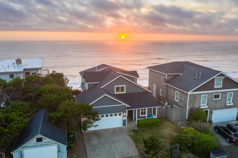 6875 Neptune Ave, Gleneden Beach, OR 97388 - Sunset
