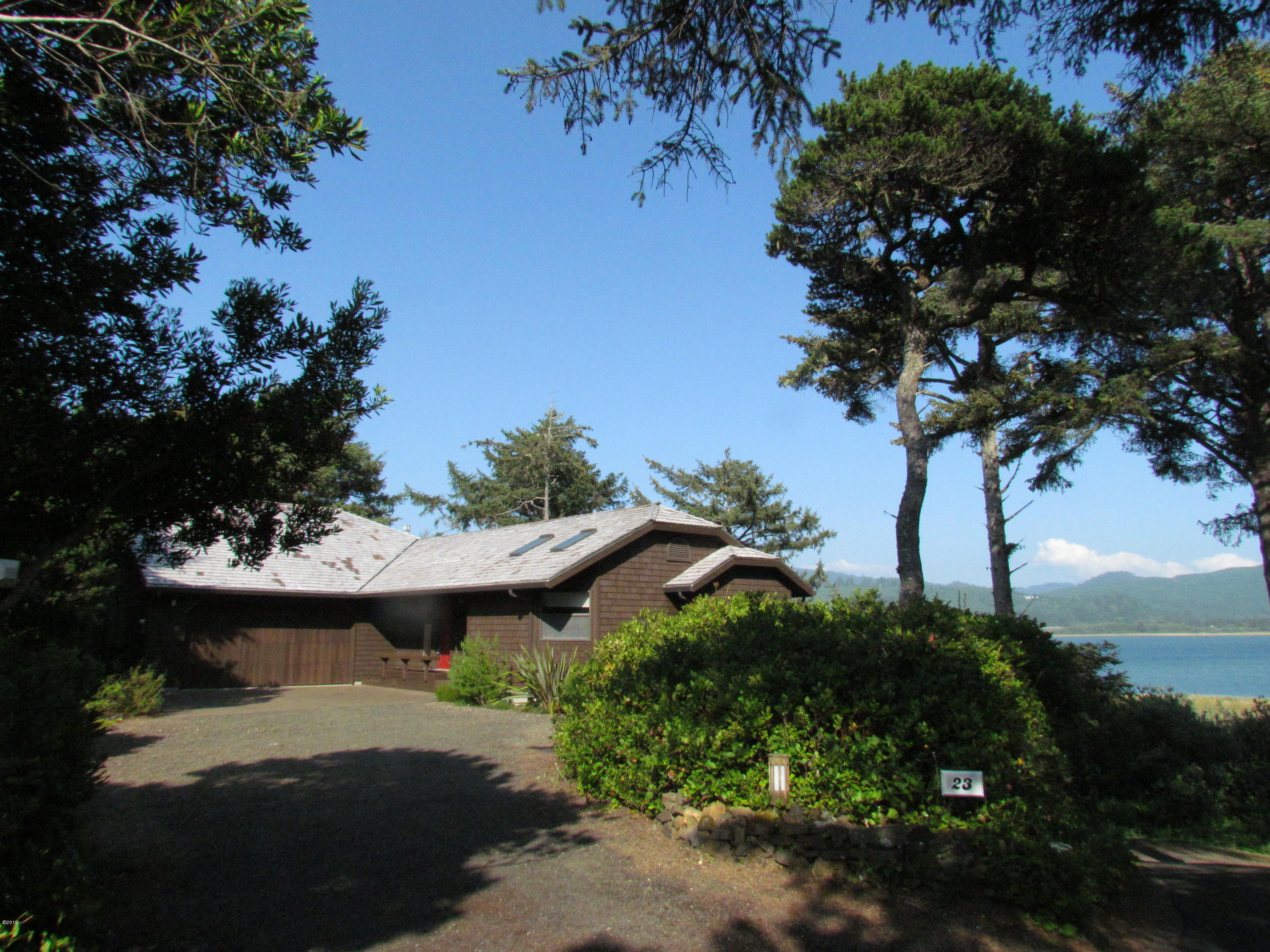 23 N Bay Ridge, Gleneden Beach, OR 97388 - Entry with Bay Views