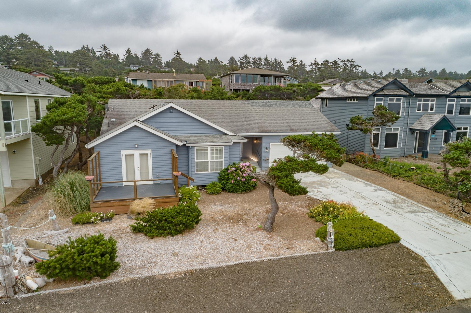 3201 NW Oceania Dr, Waldport, OR 97394