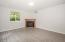 2095 NE Tide Ave, Lincoln City, OR 97367 - Family room - View 2 (1280x850)