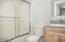 2095 NE Tide Ave, Lincoln City, OR 97367 - Guest Bath (1280x850)