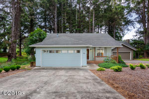 1908 NW 35th Pl, Lincoln City, OR 97367 - 1908NW35th-01