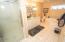 5645 El Circulo Ave, Gleneden Beach, OR 97388 - Large Master Bath