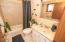 5645 El Circulo Ave, Gleneden Beach, OR 97388 - Guest Bath