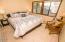 5645 El Circulo Ave, Gleneden Beach, OR 97388 - Nice Size Room