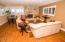5645 El Circulo Ave, Gleneden Beach, OR 97388 - Family Room