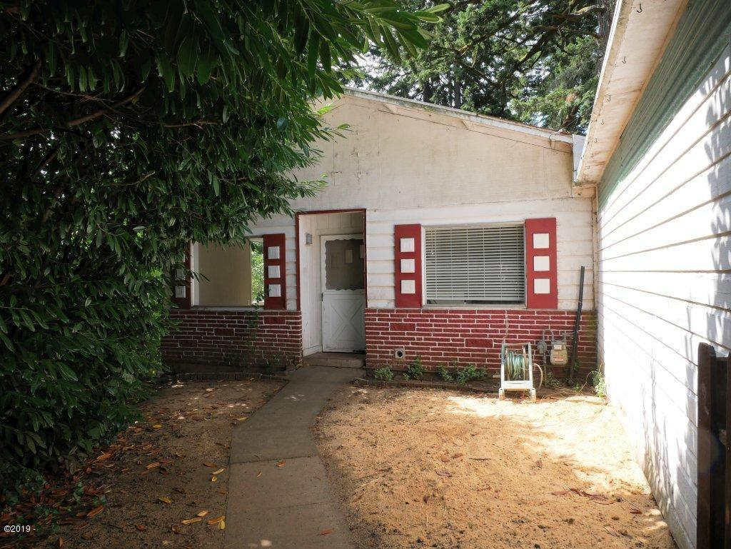 749 NW Elizabeth St, Toledo, OR 97391 - 749 NW Elizabeth Street
