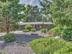 5475 Hacienda Ave, Lincoln City, OR 97367 - Front of House