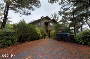 1514 NW Sandpiper Dr, Waldport, OR 97394