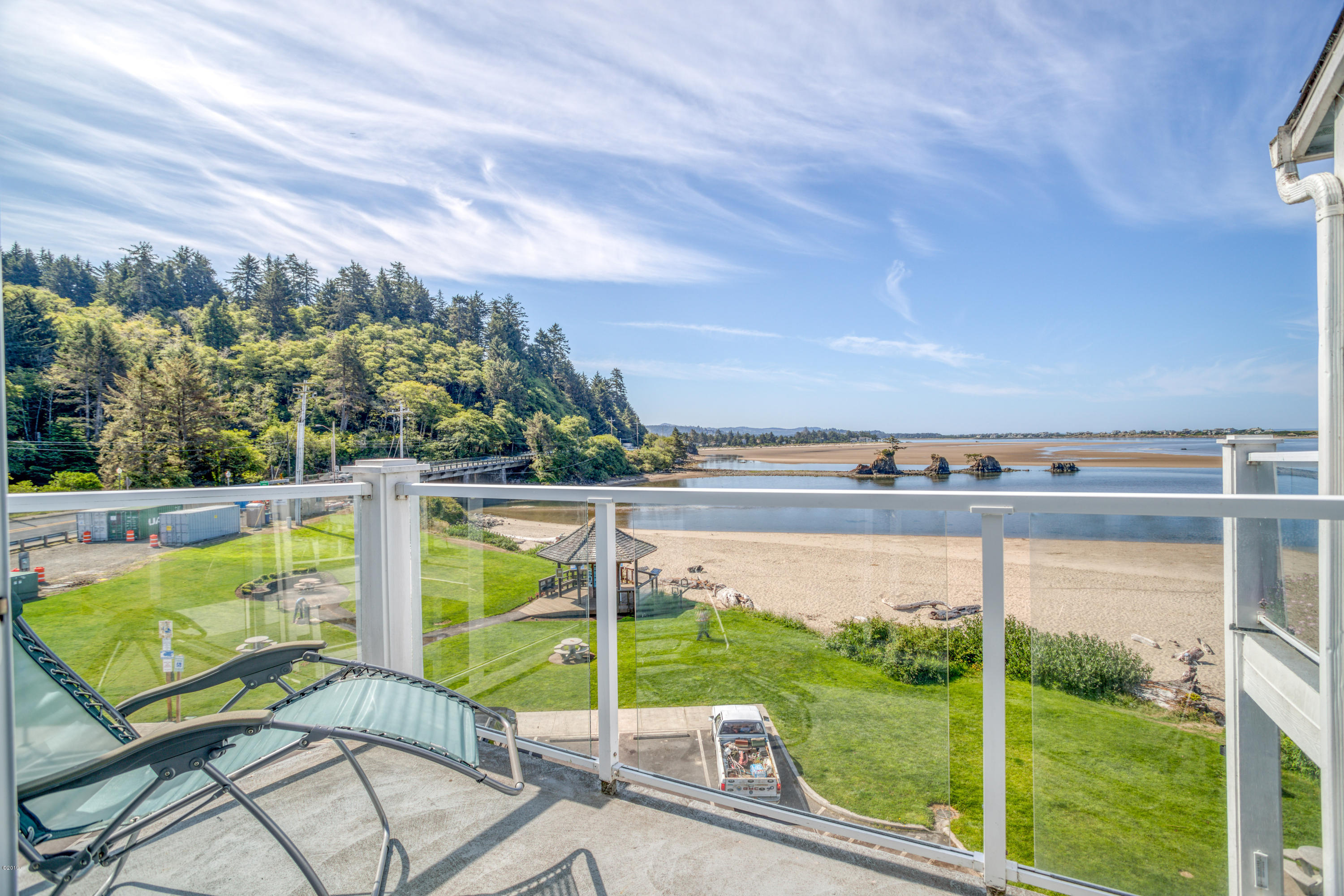 5201 SW Hwy 101, 405, Lincoln City, OR 97367 - Bay view