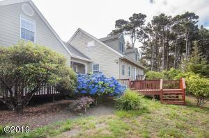 1151 SW Curtis St, Seal Rock, OR 97376 - Exterior View 2