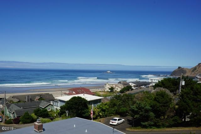 1915 NE 71st Street, Lincoln City, OR 97367 - Master Deck View