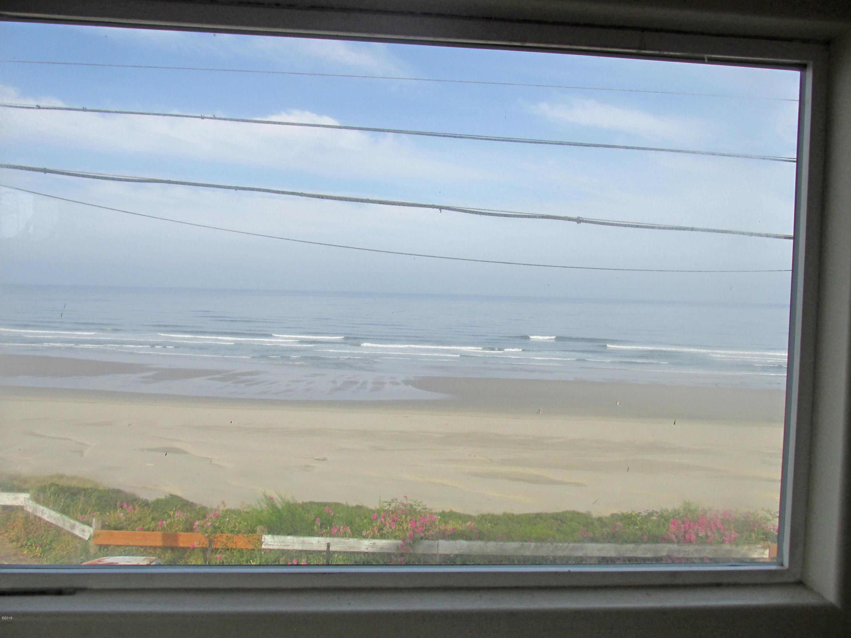 922 NW Coast St, Newport, OR 97365 - Panoramic Ocean View