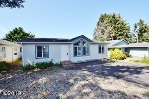 725 SE Jetty Ave, Lincoln City, OR 97367 - Front