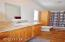 725 SE Jetty Ave, Lincoln City, OR 97367 - Master bedroom