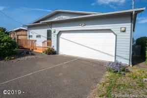 5845 El Mar Ave, Gleneden Beach, OR 97388 - Front of Home