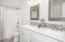 2492 SW Dune Ave, Lincoln City, OR 97367 - Master Bath