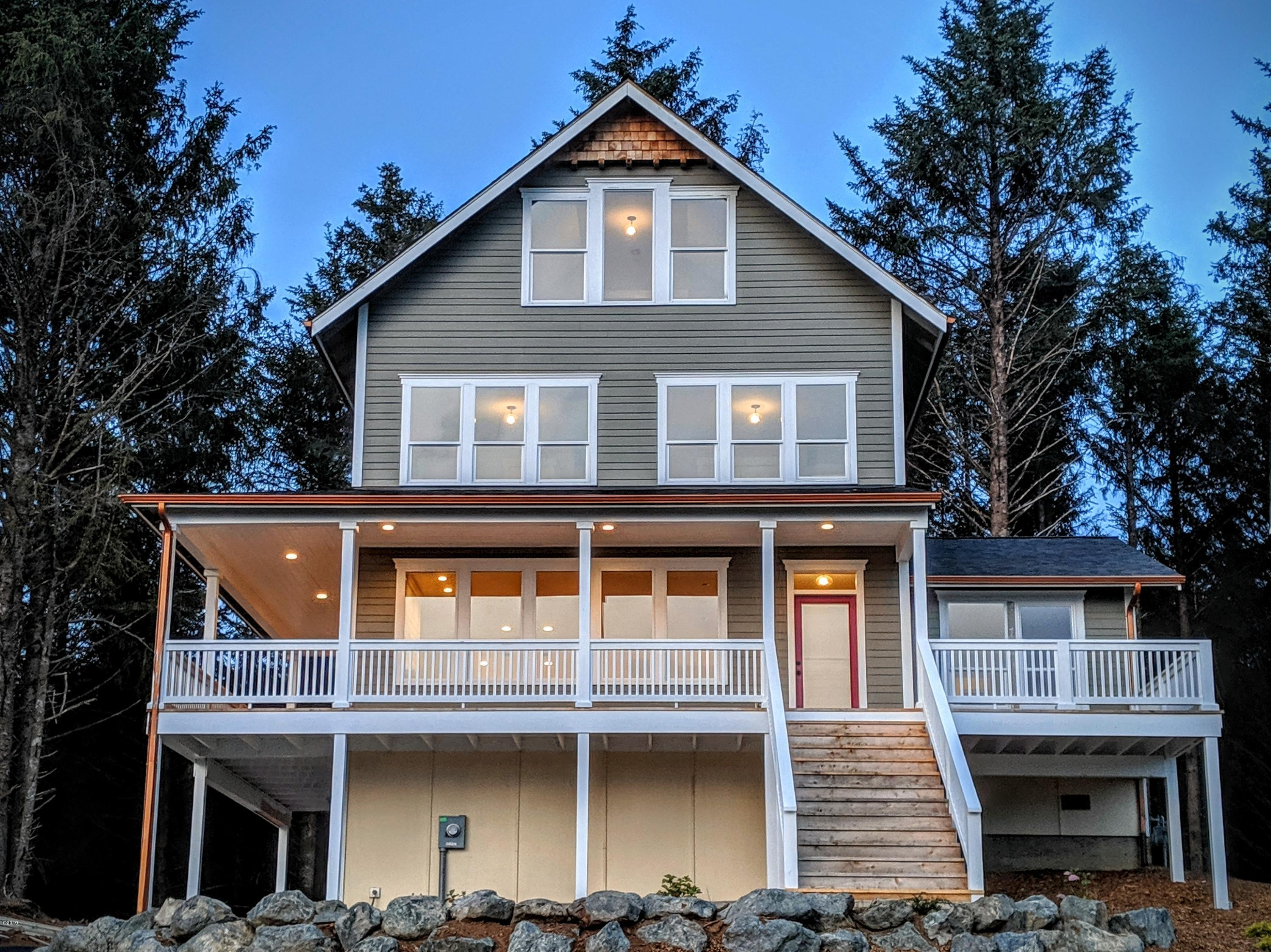 2142 SW Coast Ave, Lincoln City, OR 97367 - Front View with Forest behind