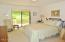 5 Woodthrush Lane, Gleneden Beach, OR 97388 - Master Bedroom