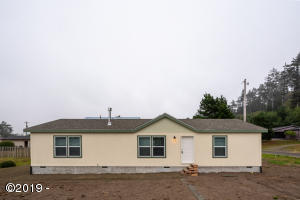 5540 NW Rhododendron St, Newport, OR 97365 - 5540NWRhododendron (1)