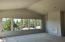 4211 SE Jetty Ave, Lincoln City, OR 97367 - Vaulted living room