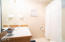 1116 SW 51st St, 303, Lincoln City, OR 97367 - Bathroom