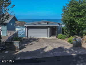 705 SW Coast Ave, Depoe Bay, OR 97341 - Front of home.
