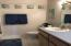 1000 SE Bay Blvd, #500/600 (A-3), Newport, OR 97365 - Bathroom 1