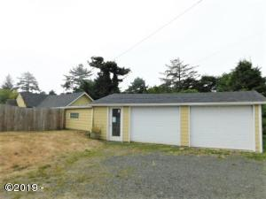 317 NW 19th St, Newport, OR 97365 - front