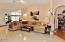 286 NE Evergreen Ln, Yachats, OR 97498 - Vaulted Ceilings