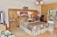 286 NE Evergreen Ln, Yachats, OR 97498 - Master Bed Room