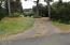286 NE Evergreen Ln, Yachats, OR 97498 - Circular Drive and yard