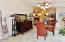 286 NE Evergreen Ln, Yachats, OR 97498 - Dining Room w/Tray Ceiling