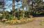 286 NE Evergreen Ln, Yachats, OR 97498 - Island in Circular Driveway