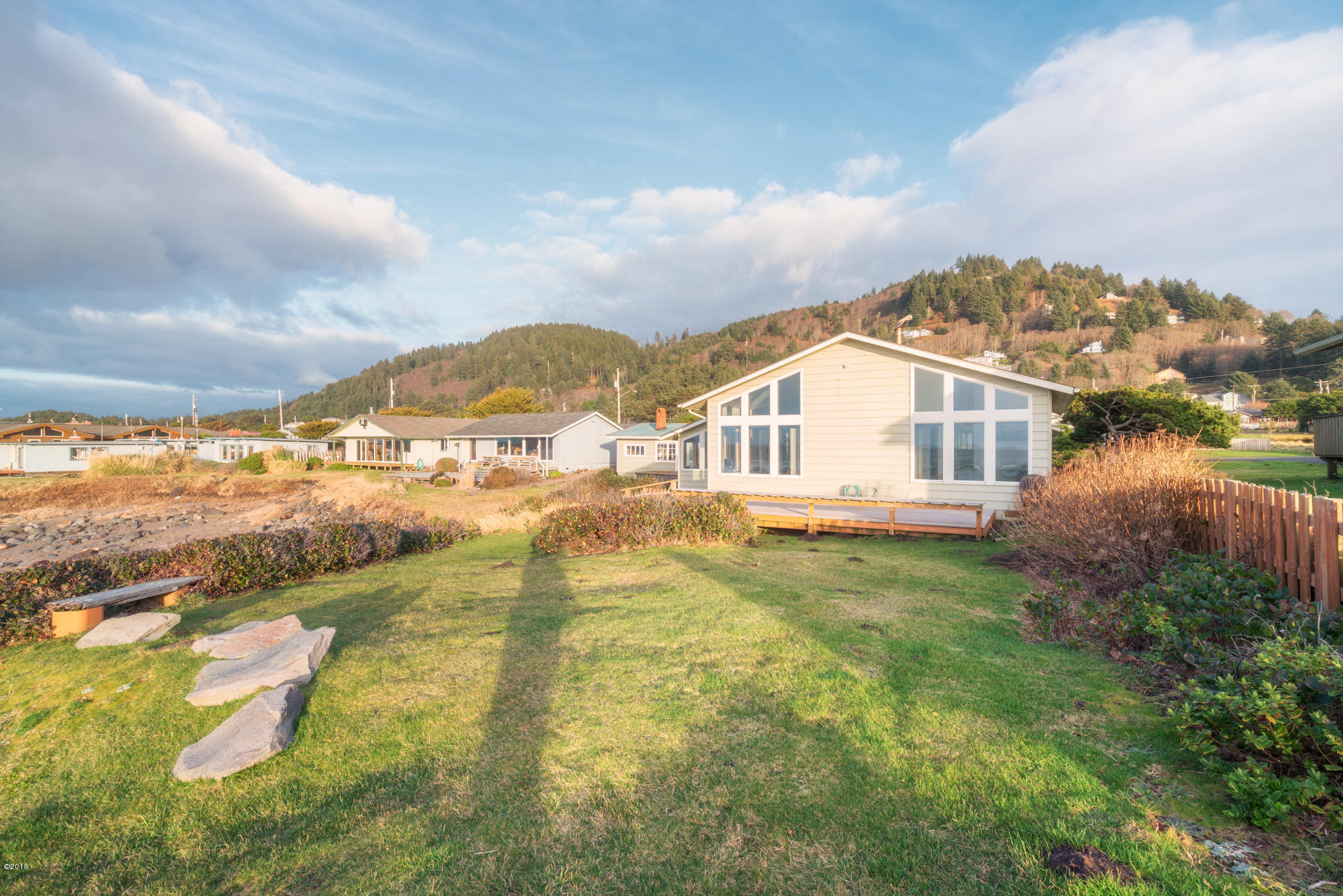 811 Ocean View Dr, Yachats, OR 97498 - 811-OceanviewDr-Web (21)