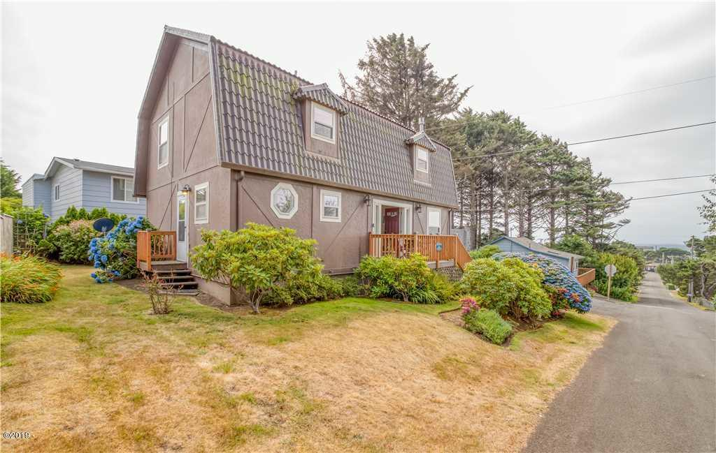 3134 NW Neptune Ave, Lincoln City, OR 97367 - Home Exterior